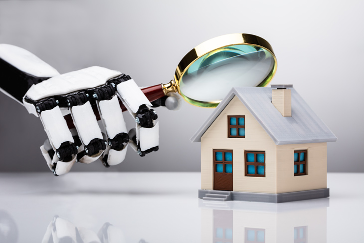 robot-looks-at-home